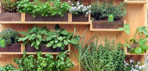 Disfruta de un original jardín vertical en tu hogar
