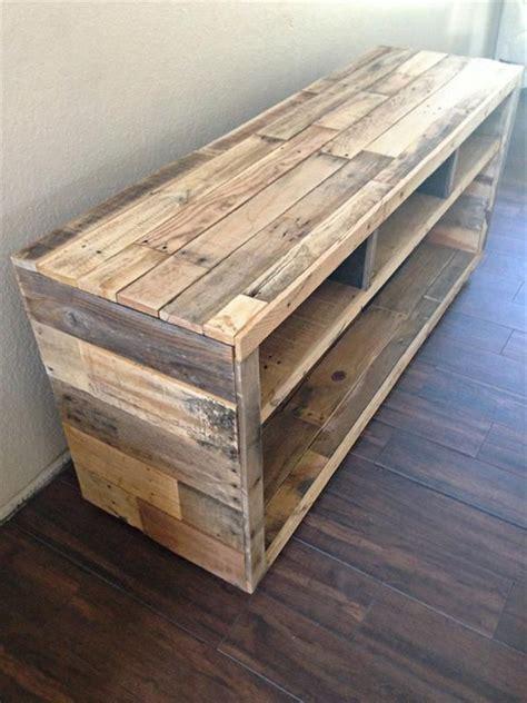 DIY Pallet Media Console Table | Pallet Furniture DIY ...