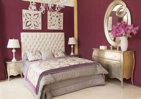 dormitorio de matrimonio color plata cabecero tapizado