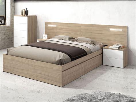 Dormitorio de matrimonio muebles roble, cabecero de cama y ...