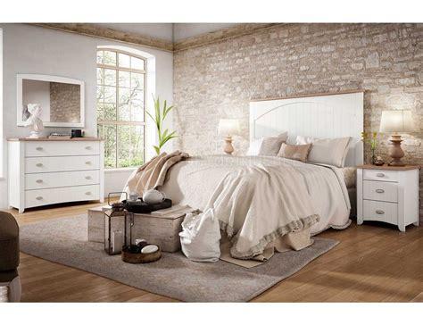 Dormitorio de matrimonio Wind de estilo colonial en blanco ...
