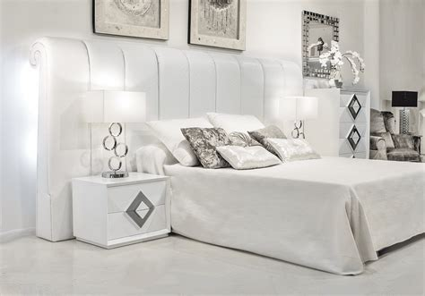 dormitorios diseño moderno, Cabecero de alta decoración