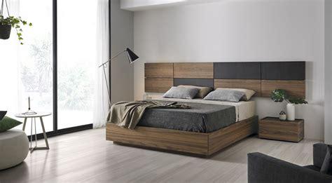 Dormitorios matrimonio de diseño cálidos y funcionales