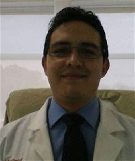 Dr. Mauricio Daniel Leon Yepez   Lee opiniones y agenda cita