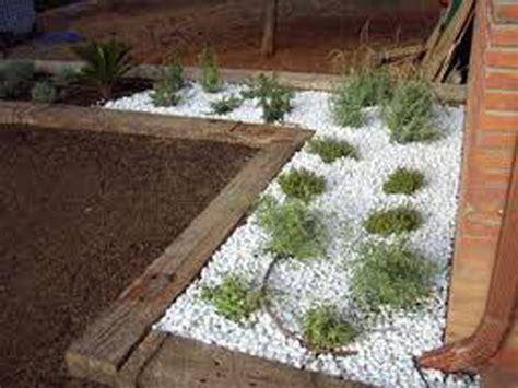 Eduard Moragues: Piedra para Jardín, Marmolina para el jardín