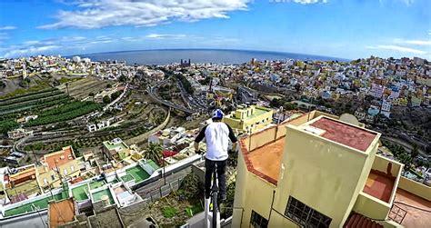 El ciclista de las azoteas de Las Palmas de Gran Canaria ...