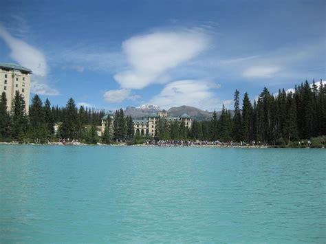 El Lago Louise y sus alrededores en verano   Ser Turista