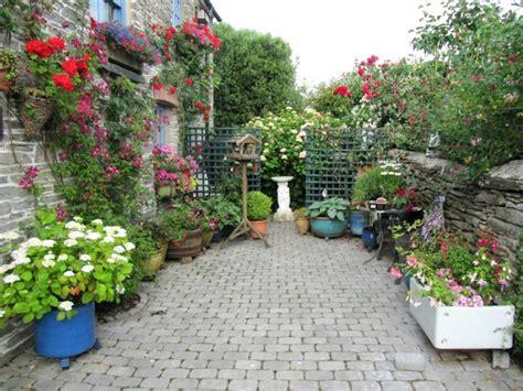 Escapadas con encanto : 50 jardines pequeños que enamoran