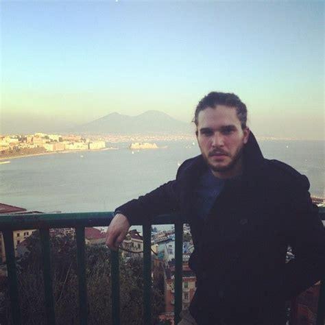 Exclusive!  Pompeii  Star Kit Harington Seizes Yahoo ...