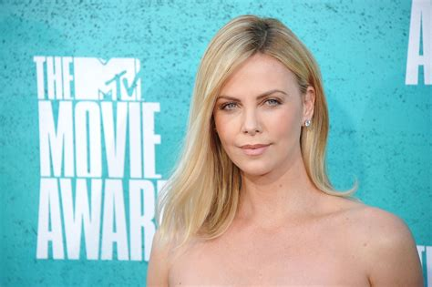 Extras needed for Charlize Theron movie filming in Chicago ...