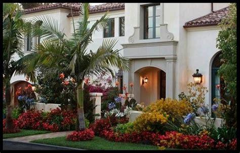 fachadas de casas con jardin al frente | Imagenes De Casas ...
