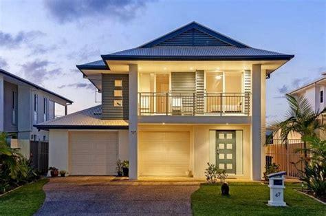 fachadas de casas con terraza