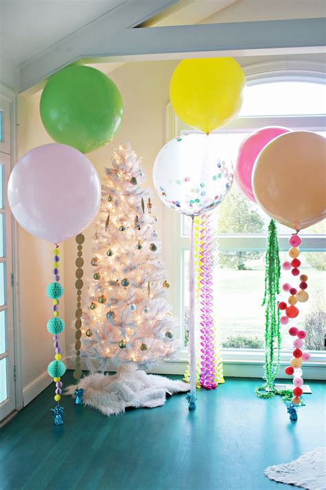 Festive DIY Balloon Tails | Clever and Crafty | Balloon ...