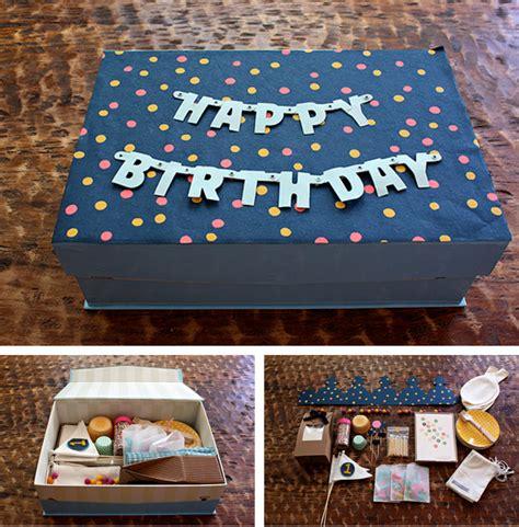 Fiesta de cumpleaños en una caja