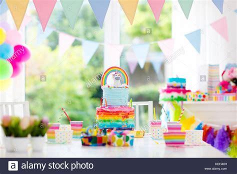 Fiesta de cumpleaños para niños decoración y pastel ...