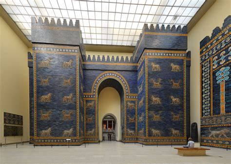 File:Ishtar gate in Pergamon museum in Berlin..jpg ...