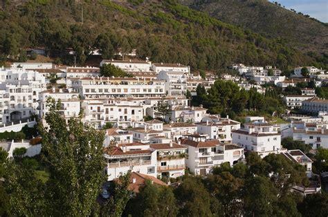 File:Mijas Spain.jpg   Wikimedia Commons