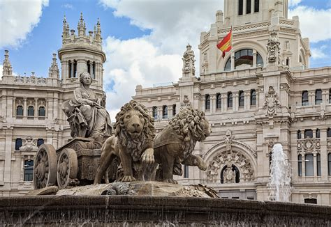 File:Plaza de Cibeles, Madrid, Spain Qmin.jpg   Wikimedia ...