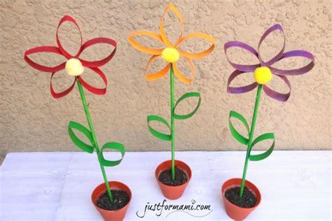 Flores hechas con tubos de papel reciclados   Just for Mami