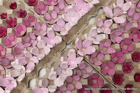 Flores rosas con hueveras de cartón recicladas – egg ...