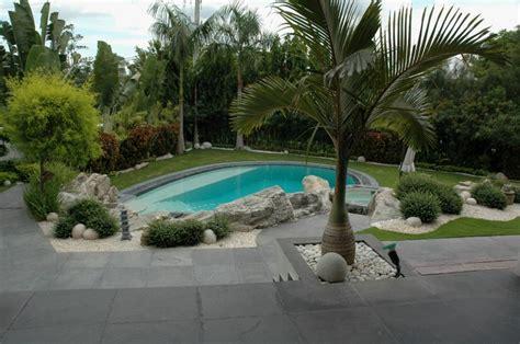 Fotos de piscinas en el jardín | Ideas para decorar ...