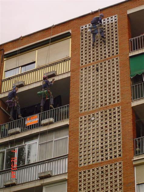 Frentes de balcones y celosía de cocinas con sist. de ...