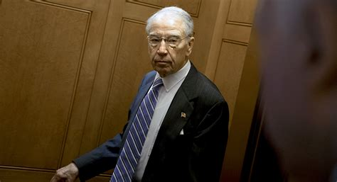 Grassley embraces oversight role in Trump Russia probe ...