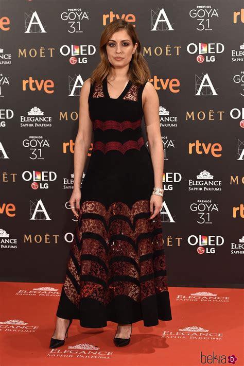 Hiba Abouk en la alfombra roja de los Premios Goya 2017 ...