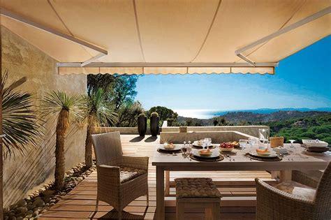 Ideas para acertar con el toldo de la terraza o el jardín