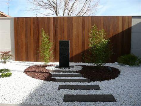 Ideas para decorar jardines con piedras   Deco De ...