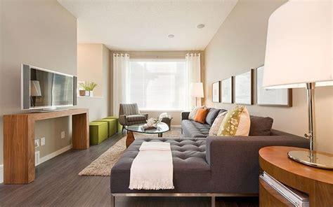 Ideas para decorar salones largos y estrechos