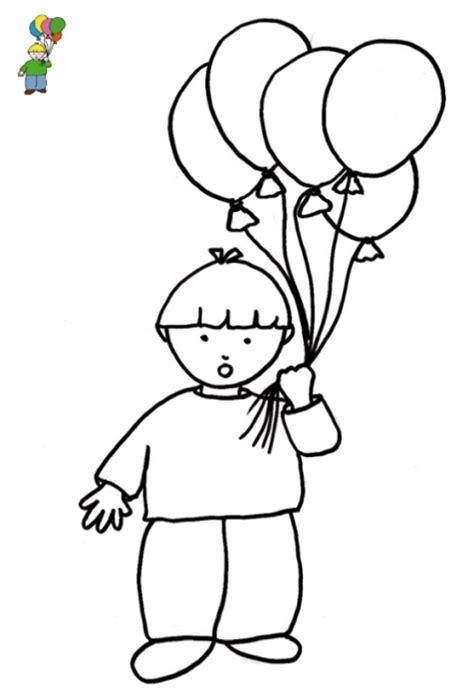 Imprimer le coloriage avec modèle garçon aux ballons ...