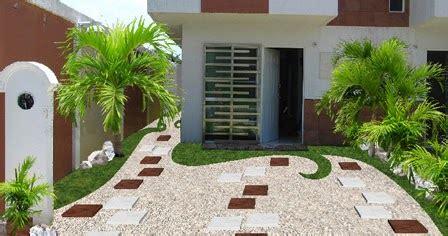 Jardín creativo con pasto, gravilla y bambú · Diseños para ...