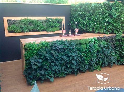 Jardín vertical exterior en terraza de vivienda   Terapia ...