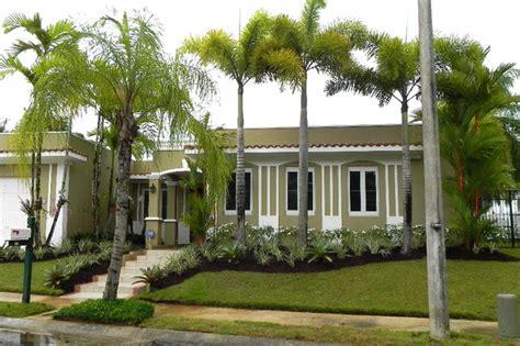 Jardines de Casas con Palmeras