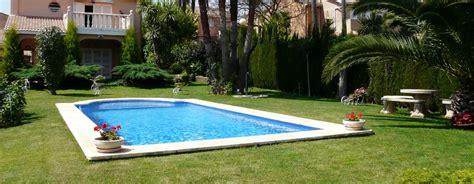 Jardines de Casas con Piscina