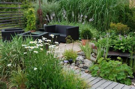 Jardines pequeños con encanto   Diseños y decoracion
