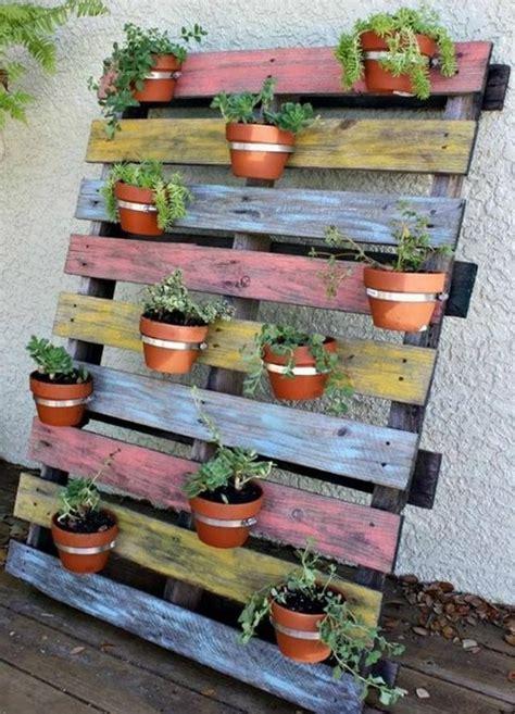 Jardines verticales hechos con palets de madera ...