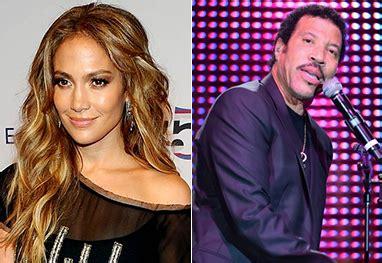 Jennifer Lopez e Lionel Richie se apresentam juntos | Ofuxico