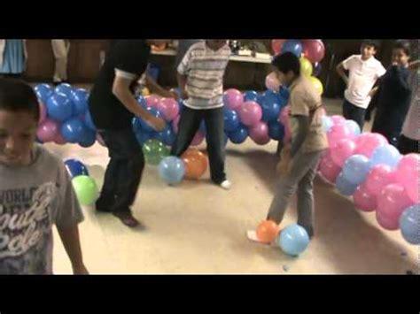 Juegos Con Globos en el dia de la Biblia   YouTube