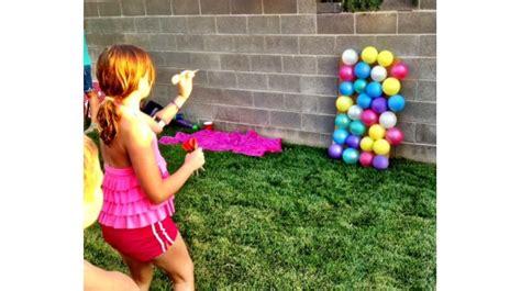 Juegos infantiles para el jardín: tablero de globos con ...