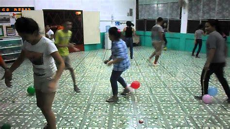 Juegos para niños y jovenes   reventando globos   YouTube
