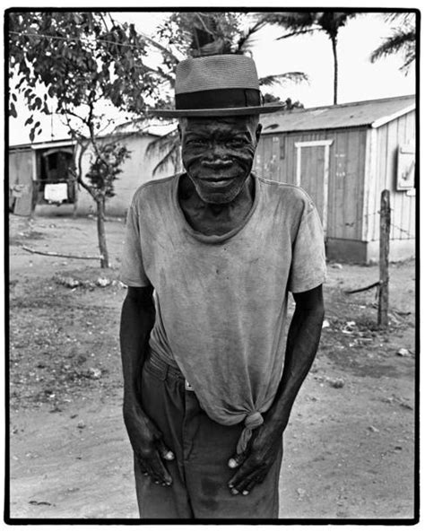 La dignidad resumida en blanco y negro | EL MUNDO