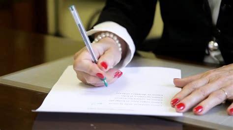 La importancia de coger el bolígrafo de forma correcta ...