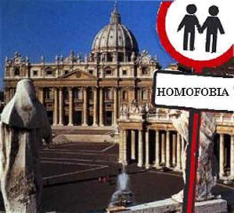 La justicia le da la razón a una iglesia homófoba   Taringa!
