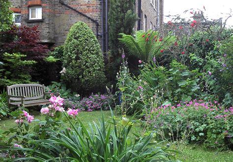 Large Garden Design by Hannah Sindall