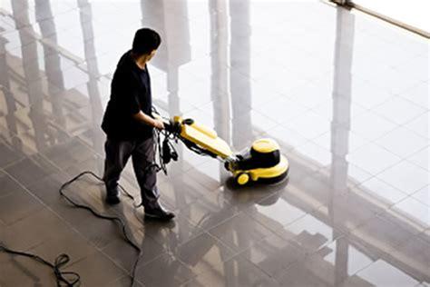 Lejos de casa: Pulir suelo sin maquina