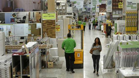 Leroy Merlin y AKI se fusionan en España | Economía | EL PAÍS