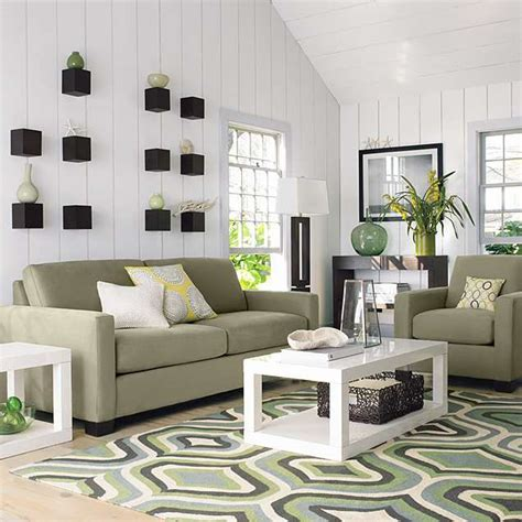 living room decorating design: Carpet Or Rug For Living ...