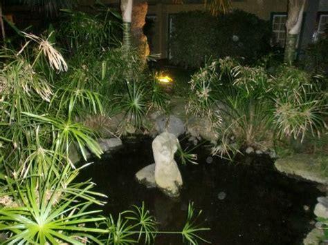 Los jardines tienen mil rincones : fotografía de Hacienda ...